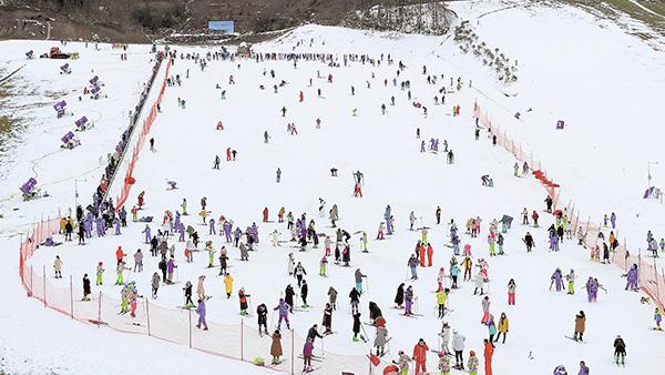 华中雪域面积最大滑雪场开业